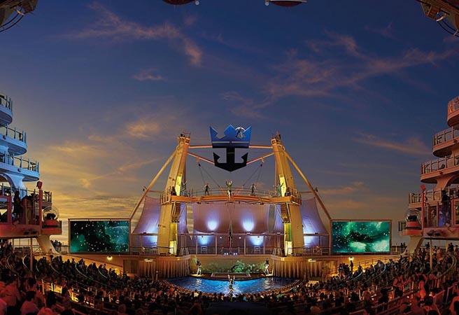 Водно-акробатические шоу AquaTheater
