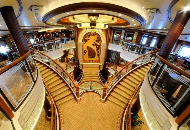 Атриум Grand Lobby