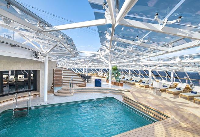Бассейн Yacht Club