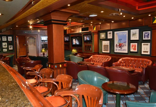 Сигарный клуб-бар Churchill Lounge