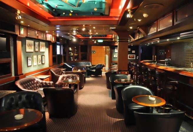 Сигарный бар Churchill Lounge