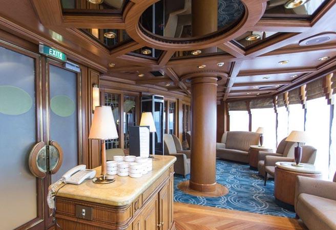 Сигарный лаунж-бар Churchill Lounge