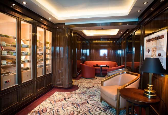 Сигарный клуб-бар Churchill's
