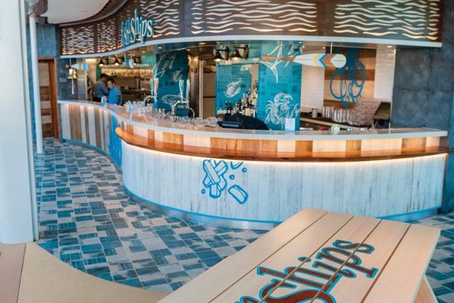 Альтернативный ресторан Fish & Ships