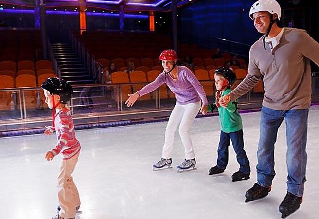 Ледовые шоу и каток в Studio B