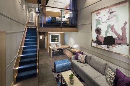 Сrown Loft Suite с балконом