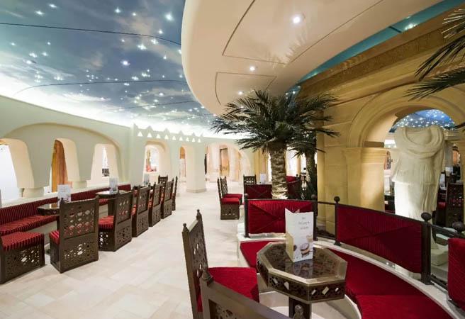 Кафе-мороженое Phoenician Plaza