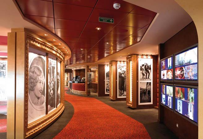Библиотека для гостей кают класса Yacht Club