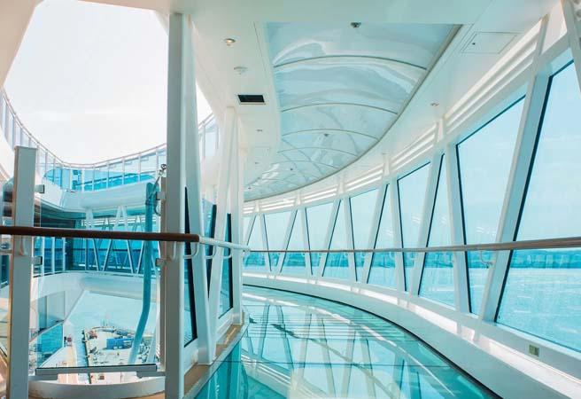 Стеклянная прогулочная галерея SeaWalk
