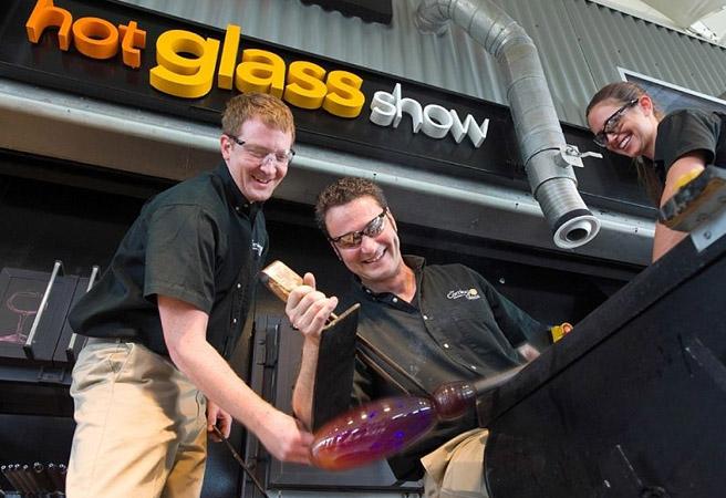 Шоу стеклодувов Hot Glass Class