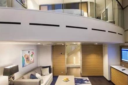 Сьют двухуровневый с балконом