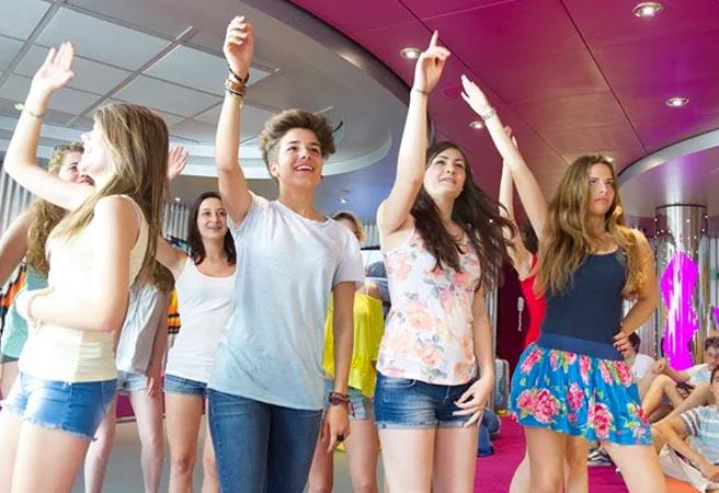 Клуб для подростков от 15 до 17 лет Teens Club