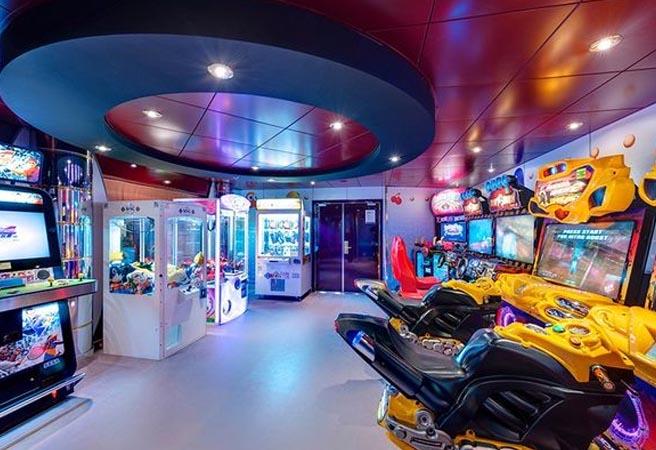 Зона мультимедиа и виртуальных игр Games Arcade
