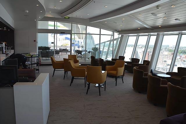 Гостиная-бар Suite Lounge
