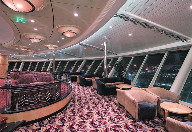 Панорамная гостиная и бар Viking Crown