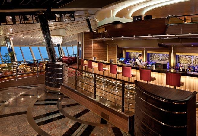 Панорамная гостиная-бар Viking Crown